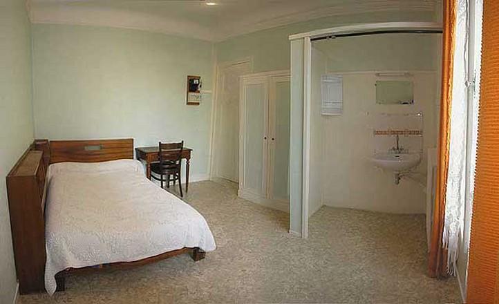 Hotel du moulin paris vincennes chambres meubl es au mois - Location chambre hotel au mois ...